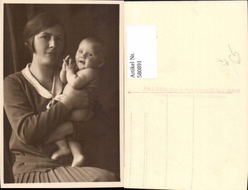 580891,Foto Ak Frau als Mutter Kind pub Foto A. Ruzicka Wien