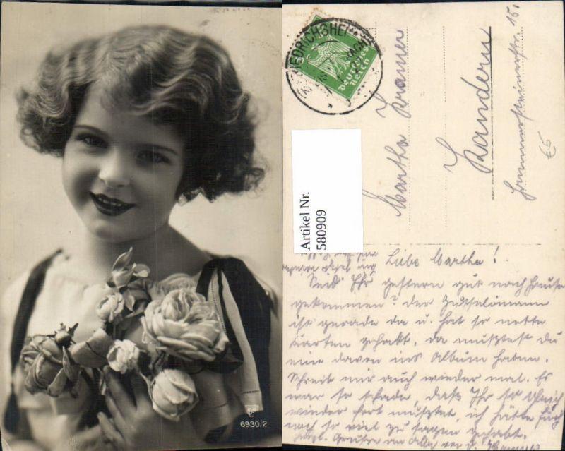 580909,Foto Ak Kind Mädchen Portrait Rosen Blumen