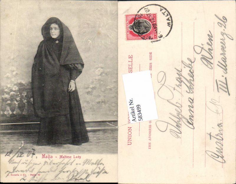 583499,Malta Valletta Typen Types Maltese Lady Tracht
