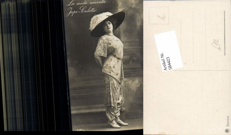 584423,Foto-AK Mode Frau Hosenrock La Mode nouvelle Jupe-Culotte Hut Hutmode