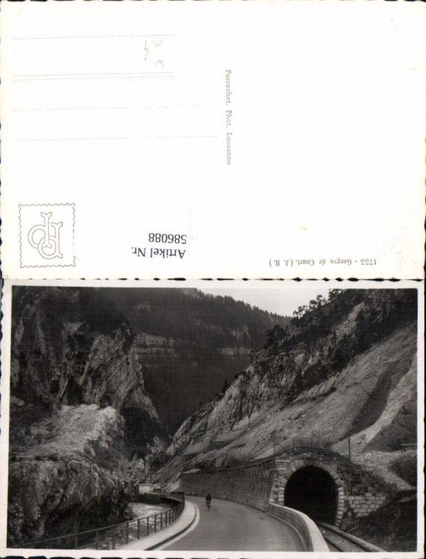 586088,Foto Ak Moutier Gorges de Court Tunnel Radfahrer Rad Fahrrad Switzerland