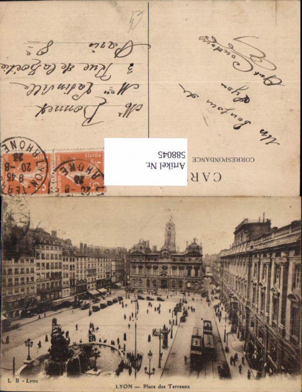 588045,Lyon Place des Terreaux Straßenbahn Brunnen France