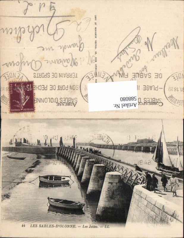 588080,Les Sables-D Olonne les Jetees Boote France