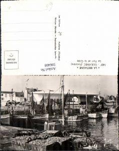 596408,La Bretagne Guilvinec Finistere Le Port et la Criee Hafen Segelboote Boote France