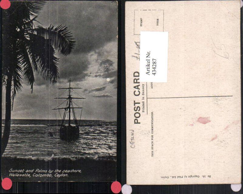 434287,Ceylon Sri Lanka Colombo Wellawatte Sunset and Palms Segelschiff Strand