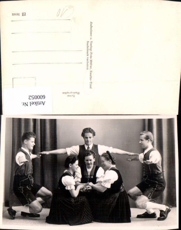 600052,Foto Ak Tanzen Männer Frauen Volkstanz Tracht Reutte Tirol 0