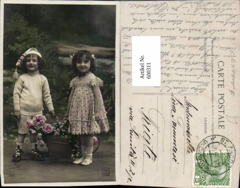 600311,Kind Kinder Junge Bub Mädchen m. Korb Rosen Blumen