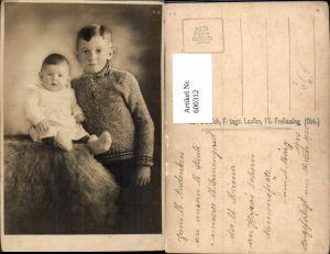 600312,Kind Bub Junge m. Kleinkind Portrait pub Karl Dietrich