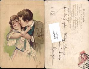 621321,tolle Künstler AK Präge Litho Mann küsst Frau Kuss Liebe
