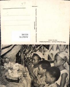 631190,Peres du Saint-Esprit Libreville-Gabon Noel au Gabon Kinder Beten Krippe Volkstypen