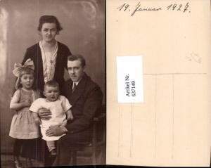 637149,Foto-AK Familie Mutter Vater Kinder Anzug Haarschlaufe 1927