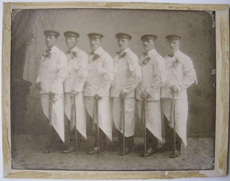 Metzgergesellen in Gala Orig Foto Albumin Abzug um 1920