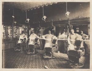 Orig Foto Innenansicht eines amerikanischen Friseurladens dreißiger Jahre