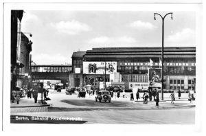 Ansichtskarte, Berlin Mitte, Bahnhof Friedrichstraße, belebt, 1953