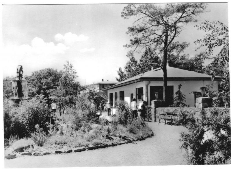 Ansichtskarte, Juliusruh Rügen, Haus in den Anlagen, 1973