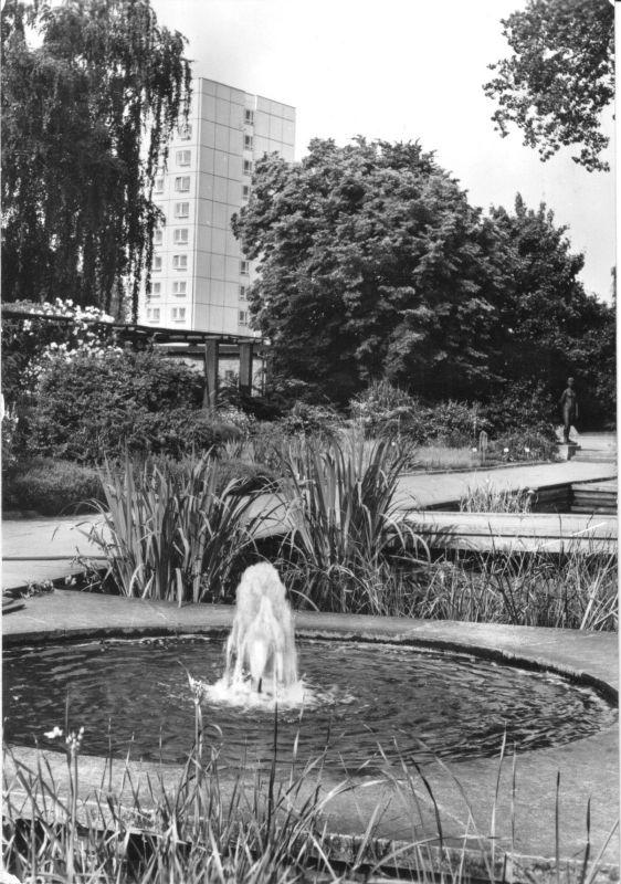 Ansichtskarte, Potsdam, Partie auf der Freundschaftsinsel mir Blick zum Hochhaus, 1982