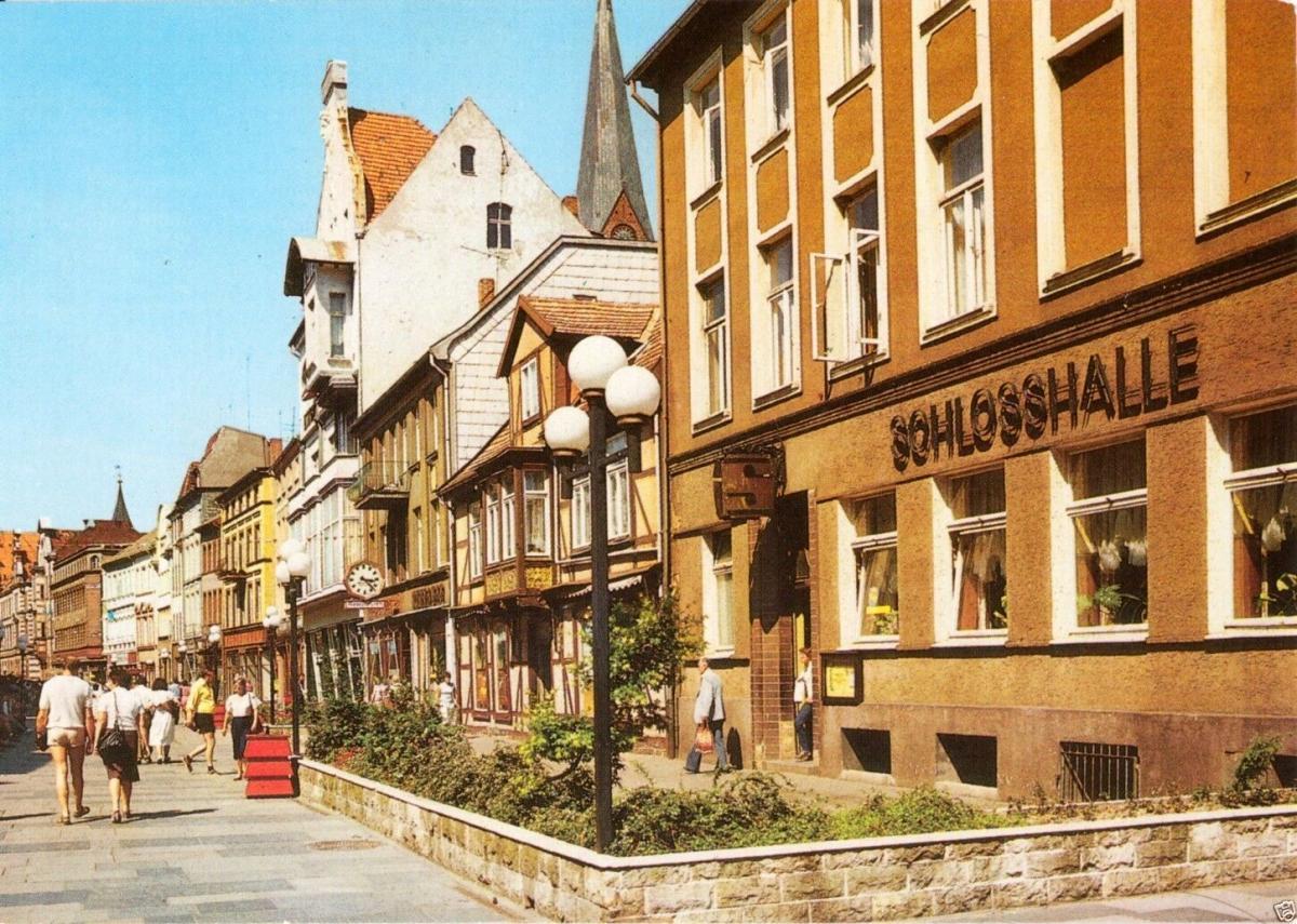 Ansichtskarte, Schwerin, Hermann-Matern-Str. mit Gastst.