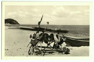 Ansichtskarte, Ostseebad Baabe Rügen, Fischerstrand mit Boot, 1956