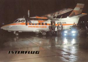 Ansichtskarte, Fugverkehr, Interflug, Kurzstreckenflugzeug L-410 auf der Rollbahn, 1990