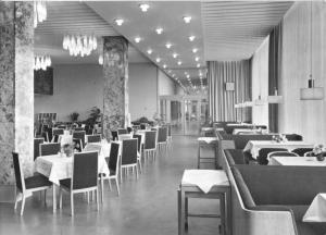 Ansichtskarte, Magdeburg, Hotel International, Restaurant Moskwa, 1966