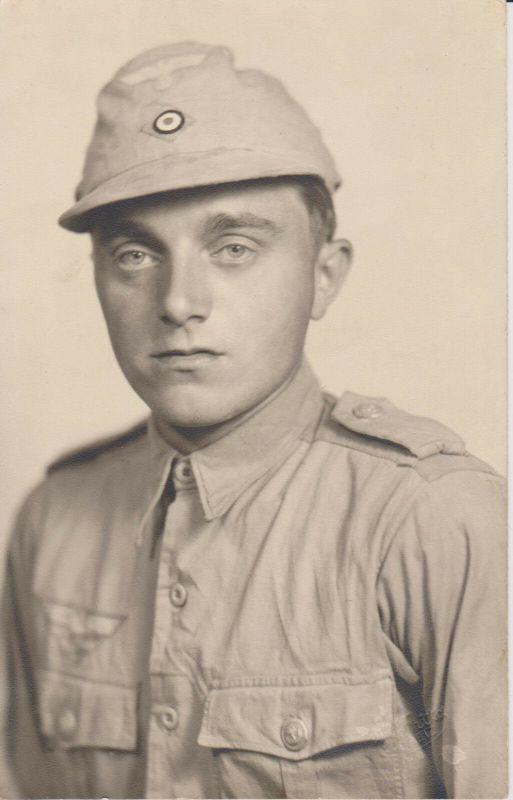 Orig. Foto Soldat in Tropenuniform Marine / Pennang Penang 1944
