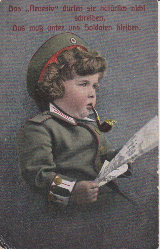 Ansichtskarte Kind als Soldat mit Pfeife und Zeitung Spruchkarte Feldpost WKI 1916