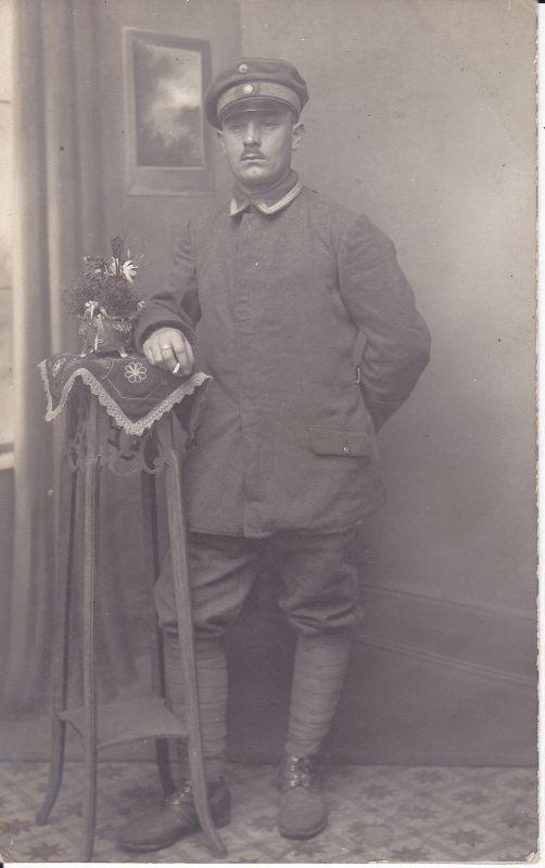 Orig. Foto Porträt Soldat Atelierfoto / Beverloo Belgien 1918