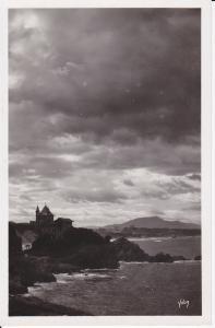 Ansichtskarte Biarritz Chateau basque Atlantik-Küste Wolken Foto ca. 1940