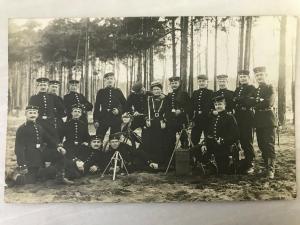 PK Soldatengruppe mit Frau 1.WK/Jahrhundertwende