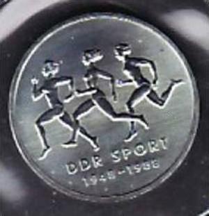 DDR  10 Mark /Sport  1988 / Stgl.aus MDN ABO  (x310 ) siehe scan