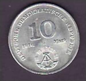 DDR   Münze  10,-Mark Miltär    (x300 )siehe scan