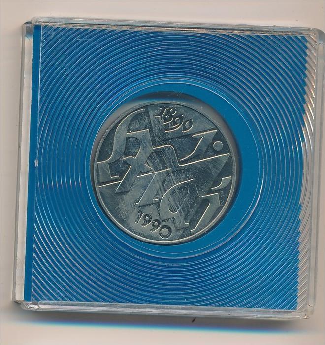 DDR   10,-Mark-  1.Mai   1990  -Bankfrisch  (x1918 )siehe scan !