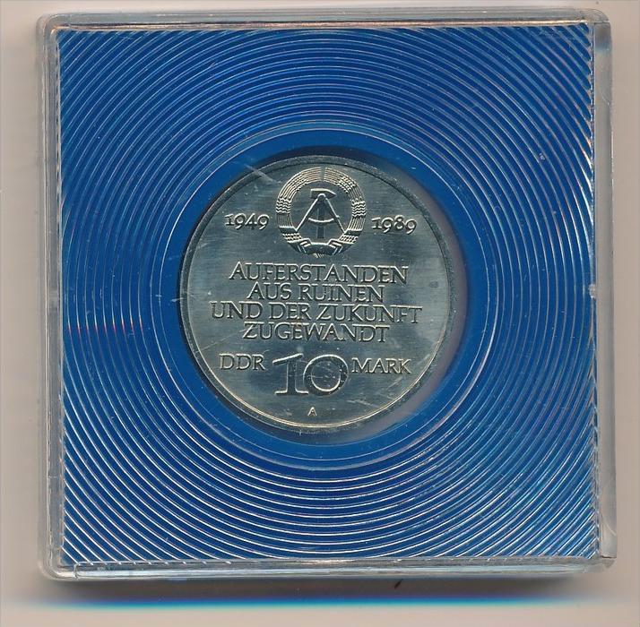 DDR      10,-Mark  -40 Jahre DDR  1989  -bankfrisch  (x1927 ) siehe scan ! 1