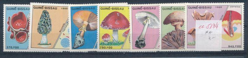 Pilze - Guinea-B........ **    (ee5134  )siehe scan....!