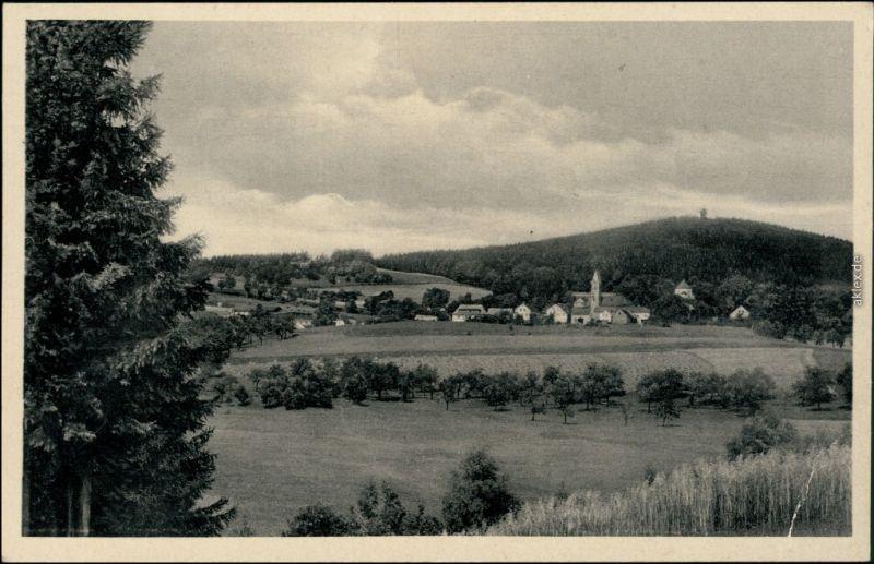 Schönberg am Kapellenberg-Bad Brambach Blick auf den Ort mit Kapellenberg 1951