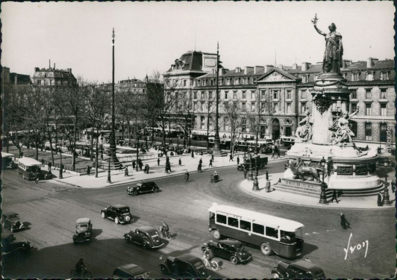 CPA Paris Place de la Republique 1962
