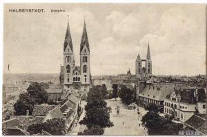 Ansichtskarte Halberstadt Domplatz ca 1920