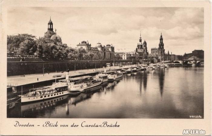 Dresden Blick von der Carolabrücke mit Dampfer