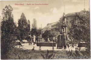 Düsseldorf Partie am Cornelius-Denkmal - belebt