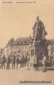 Saint-Quentin Soldaten vor dem Denkmal des 8. Oktober 18