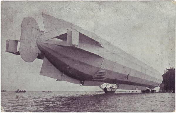 Zeppelin auf Milka - Werbe Ansichtskarte g1916