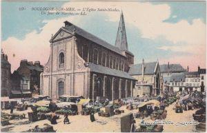 Boulogne-sur-Mer Markttag an der Kirche