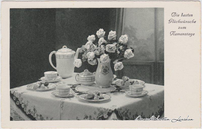 Die besten Glückwünsche zum Namenstag (gedeckter Kaffeetisch Rosen und Porzelan)