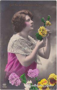 Frau mit Blumen Glückwunsch Geburtstag