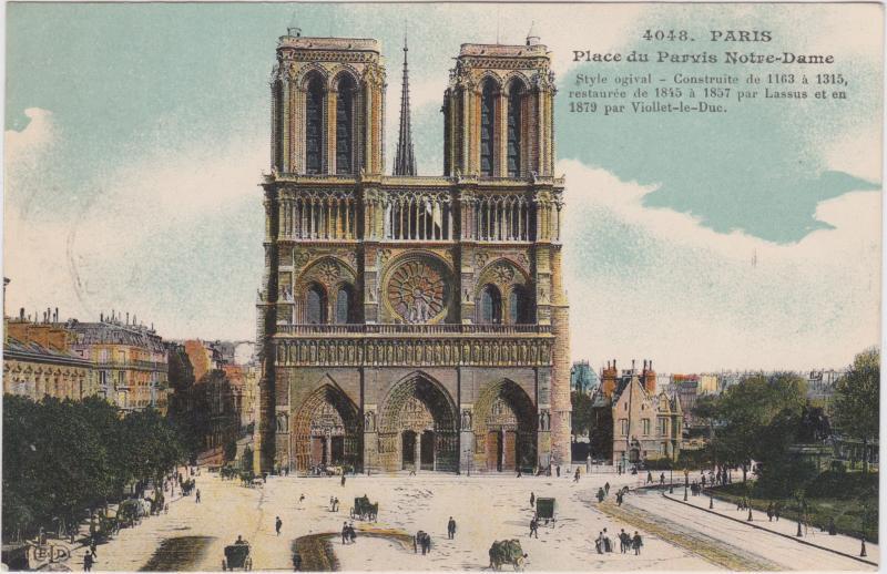 Paris Place du Parvis Notre-Dame