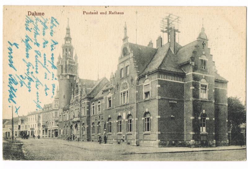 Dahme (Mark) Straßenpartie am Postamt und Rathaus