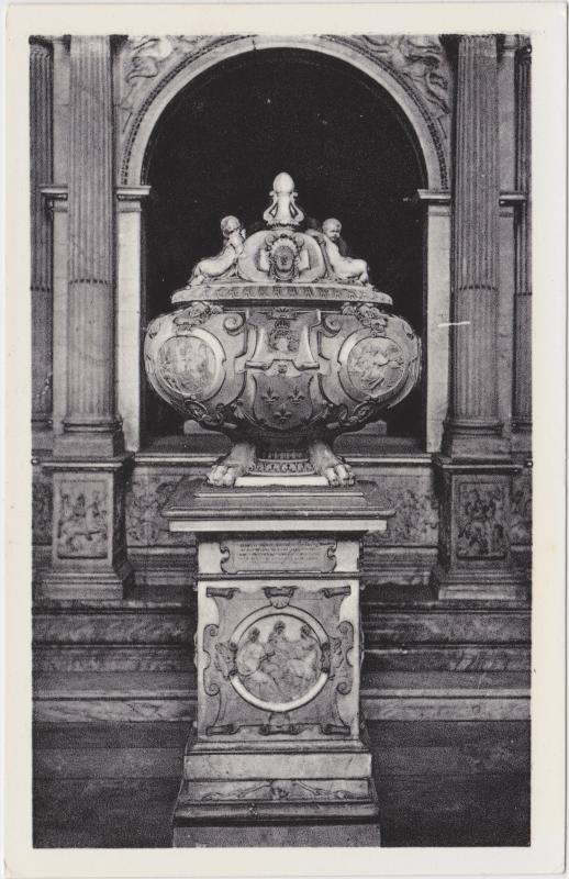 Saint-Denis Abbaye   Monument du Cœur de François Ier 1965