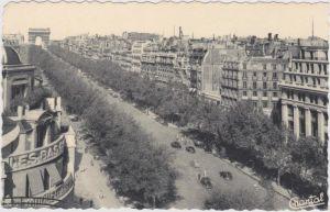 Paris Avenue des Champs-Elysées