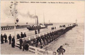 Trouville (Seine-Maritime) Le Bateau du Havre sortant du Port 1926