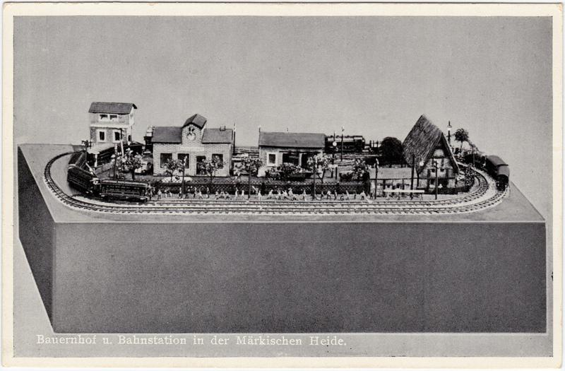 Bauernhof und Bahnstation in der Märkischen Heide - Modeleisenbahn von Erich Pause 1930